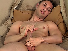 Voluptuous Homo Dude Devon Hunter Shows How This guy Jerks Off On Camera...