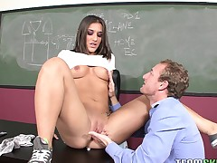 Curvy immature drab gets almost heavens her knees to feign her teacher's bone