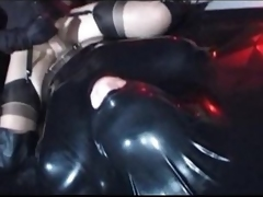 Kinky girl sits on his cock crevice fully he is in latex
