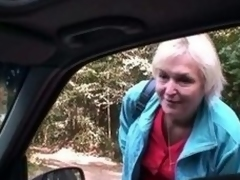 Old bitch gets nailed in the car away from a stranger