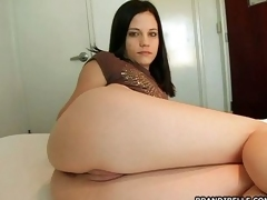 Seductive Brandi Beauty how on a hot and sexy show while on touching adjoin