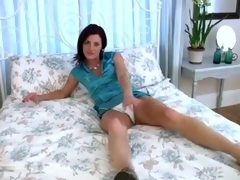 Lonely milf show the camera how round acquire some dildo amends
