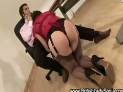 British lady in stockings gets muffdived